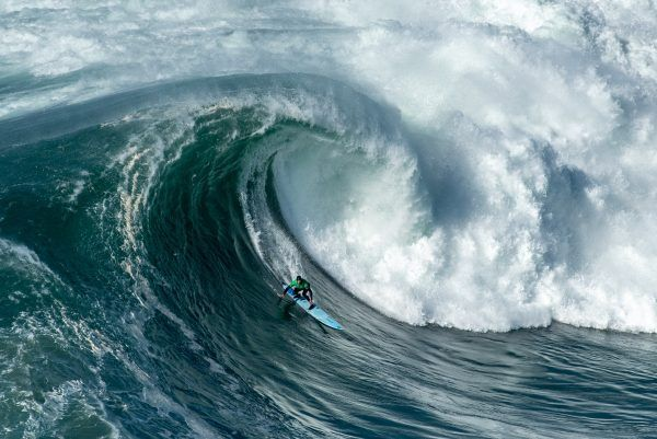 Nazaré, les plus grosses vagues en Europe